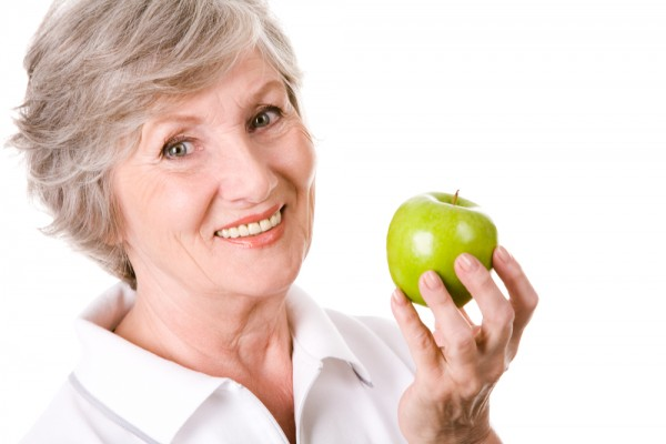 Osoby z chorobą wrzodową nie powinny jeść potraw zimnych i gorących/ fot. Shutterstock