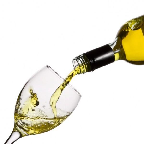 Alkohol nie tylko osłabia układ odpornościowy, ale także sam wzmaga odpowiedź zapalną organizmu./ fot. sxc.hu